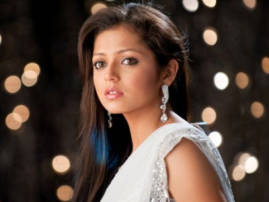 Drashti Dhami wishes good luck to new