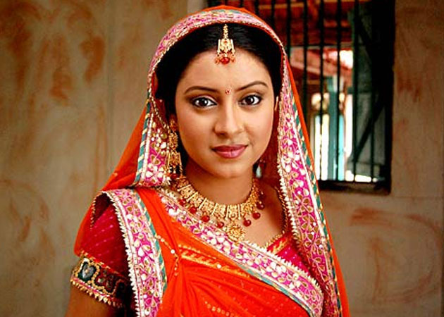 Balika Vadhu actress Pratyusha Banerjee hangs herself to ...