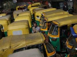Mumbai suffers as 1 lakh auto drivers strike over app based cabs