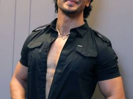 Tiger Shroff writes to government to protect tigers