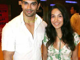 This is what Shraddha Nigam has to say about ex husband Karan's marriage