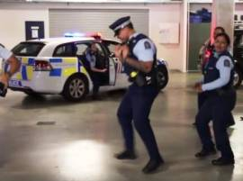 ‪‎Video‬: Watch when these police officers danced as they accept #RunningManChallenge