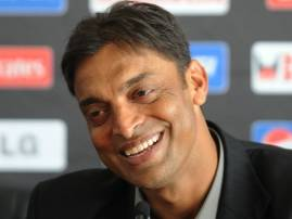 Shoaib Akhtar gets B-day bash on TV sets