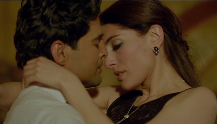 Too hot rajeev khandelwal 39 s intimate scenes with bond for Table no 21 full movie