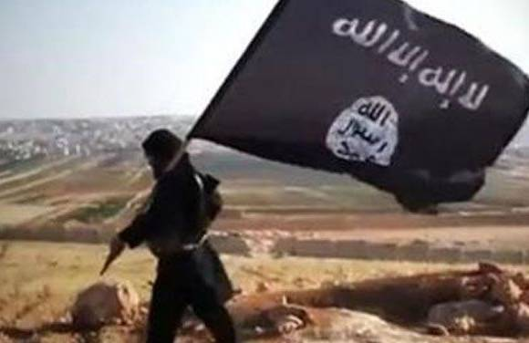 Islamic State executes, crucifies 'apostate'