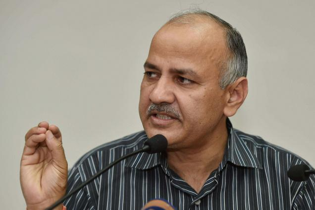 Delhi government gives Rs 5 lakh to kin of lynched driver