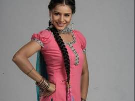 Swati Bajpai brings positive vibes on 'Waaris' sets