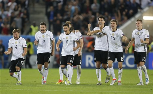 Germany star Gomez to miss the rest of UEFA EURO 2016