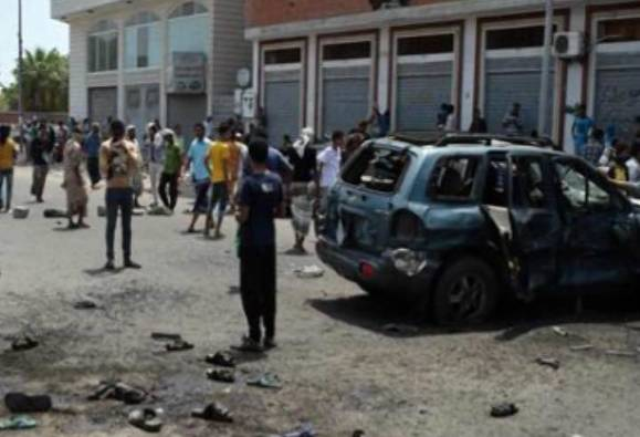 At least six killed in double vehicle bomb attack in Aden