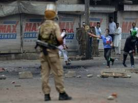 Kashmir Valley locked down, curfew back in Srinagar