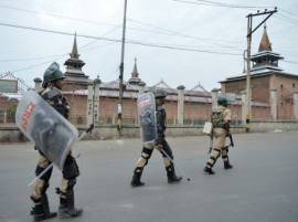 Militant attack in Pulwama, 9 security personnel injured