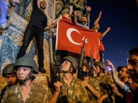 Turkey coup attempt: Emergency declared in Istanbul