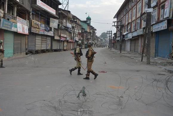 Curfew lifted from Kashmir after 51 days