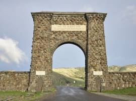 Man sentenced for scratching initials into Roosevelt Arch