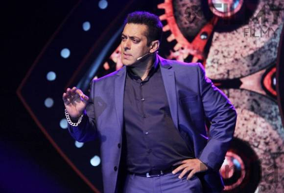 Bigg Boss4 580x395 - Why Bigg Boss 10 Will Be The Baap Of The Existing Seasons!