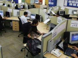 India's IT sector in choppy waters, profits dip
