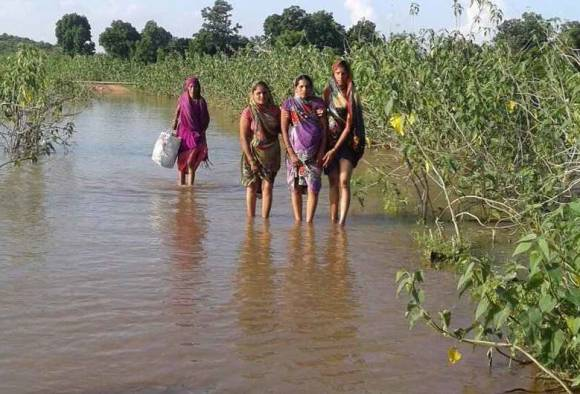 MP: Days after CM gets 'lift' from cops, woman in labor pain walks 6kms in flood water