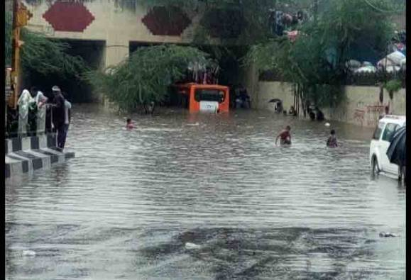 Seven killed as heavy rains lash Hyderabad