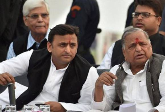 LIVE updates: UP CM Akhilesh's meeting with father Mulayam fails to break SP deadlock