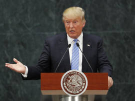 Breaking decades of US policy, Donald Trump speaks to Taiwanese President; risks rifts with China