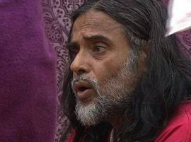 BIGG BOSS 10: OHHH! Swami Om pees in open