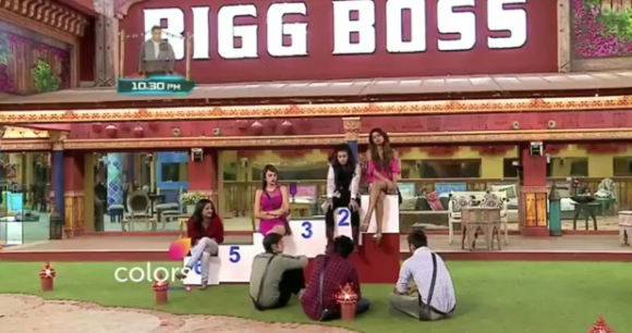 BIGG BOSS 10: WHOAA! These two contestants GO OUT and SEEK VOTES for TICKET TO FINALE