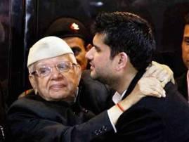 Uttarakhand polls: 91-year-old Congress leader ND Tiwari & son Rohit Shekhar join BJP