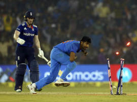 LIVE SCORE IND v ENG 2nd ODI: India win a last over thriller, take the series 2-0