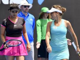 Australian Open: Paes off to winning start, Sania loses in women