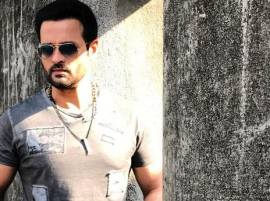 I have been offered lots of money to be a part of BIGG BOSS, says Rohit Roy