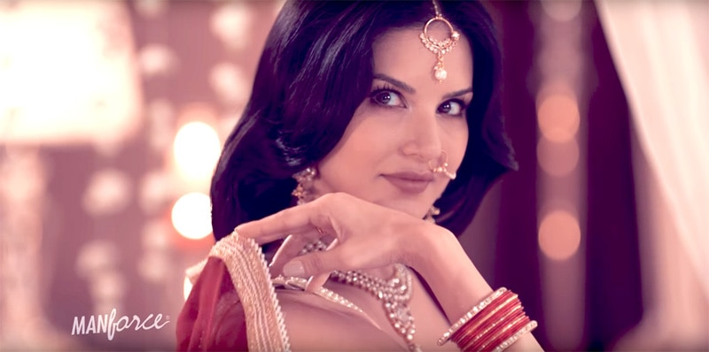 This Steamy Video With Sunny Leone In A Saree Is Every Guy's Dream Come True