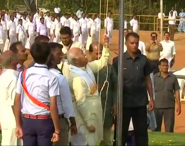 RSS chief unfurls national flag at school in Palakkad