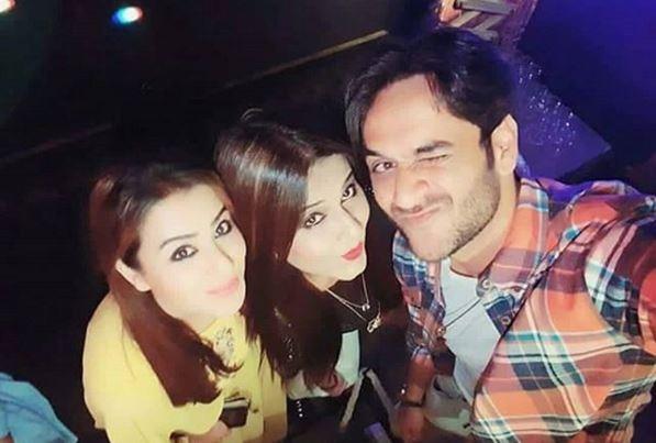 Bigg Boss 11 contestants Shilpa Shinde and Vikas Gupta's sweet bickering at Sabyasachi's birthday party