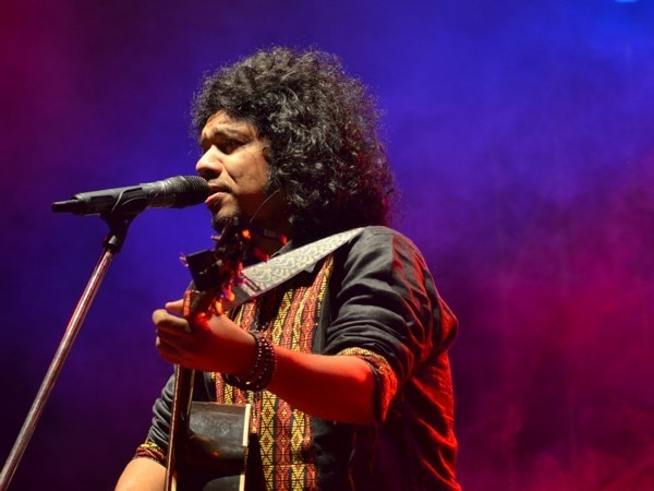 PAPON KISS ROW: Papon 'barred forever' from Essel Group