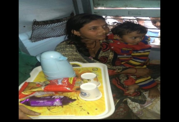 Suresh Prabhu responds to tweet again, milk provided to child in train delayed by fog