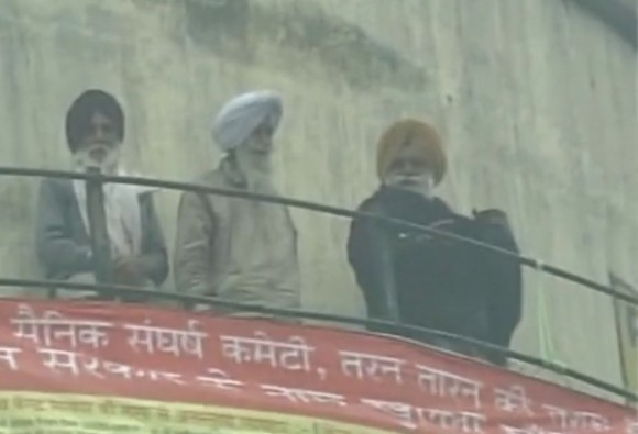 3 ex-servicemen threaten to jump off water tank if pension for disabled is not increased in OROP