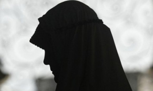 Woman gets email talaq due to her 'Dark-skin'