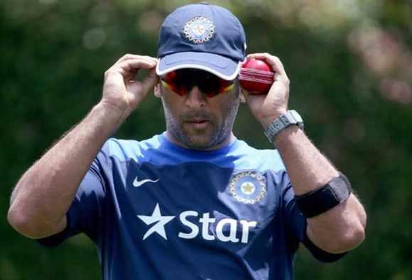 Don't have a settled bowling line-up: Dhoni