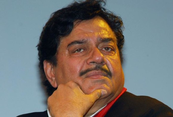 BJP MP Shatrughan Sinha attacks his own party on CBI raid issue