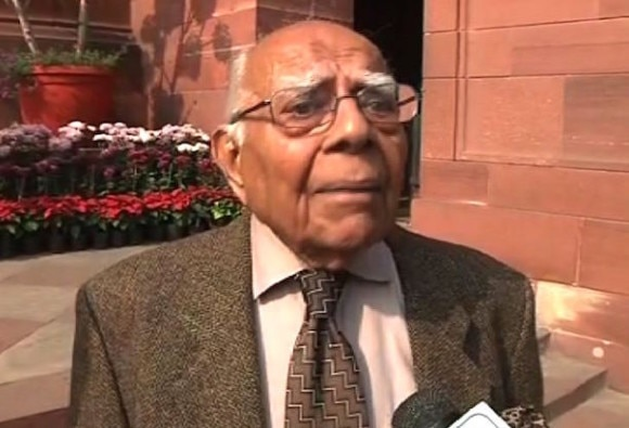 ram jethmalani offers free consultancy in case