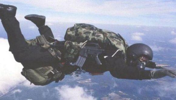 Indian Army  para commandos have less parachute : CAG