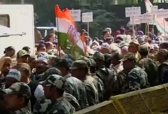 Congress workers detained in Delhi
