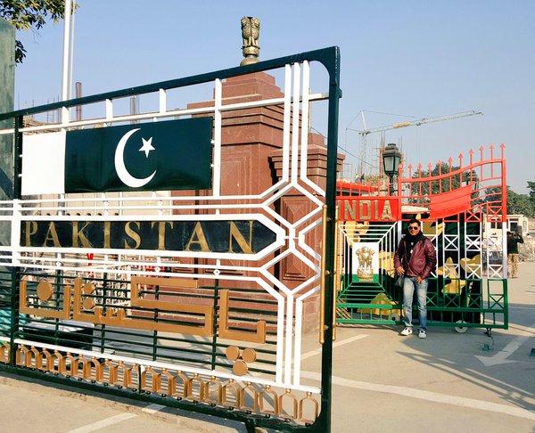 Madhur Bhandarkar honoured at film festival in Pakistan