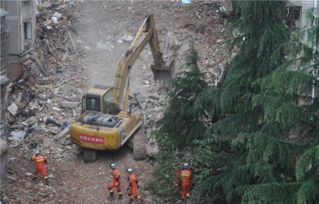 China landslide: 22 buildings collapse in Shenzhen industrial park