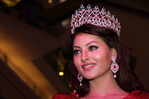 Indian beauty Urvashi Rautela out of Miss Universe race
