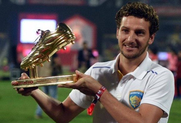 Elano detained at Police Station, flies for Brazil post bail