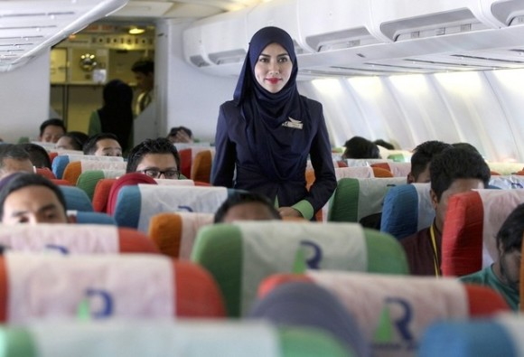 Malaysia launches its first Islamic airline
