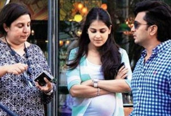 SEE PIC: Genelia spotted with a baby bump; another baby on the cards after Riaan Riteish Deshmukh?