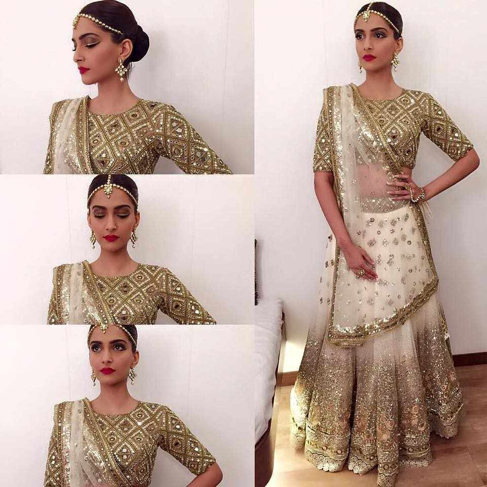 Sonam at the Stardust Awards 2015