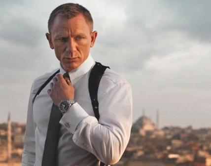 Daniel craig is the 'most kissable celebrity'